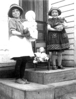 Helen and Florence - 1925